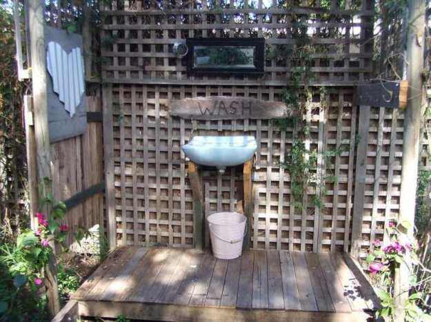 out door bathroom